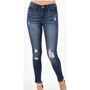 Lucky Brand Legend Brooke Skinny Jean 4/27